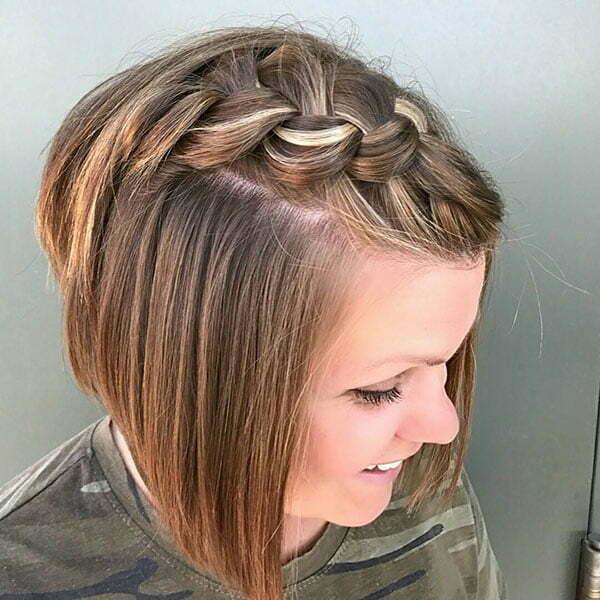 Niedliche geflochtene Frisuren für kurzes Haar
