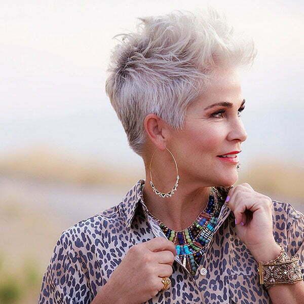 28 Best Short Hairstyles For Older Women In 2019