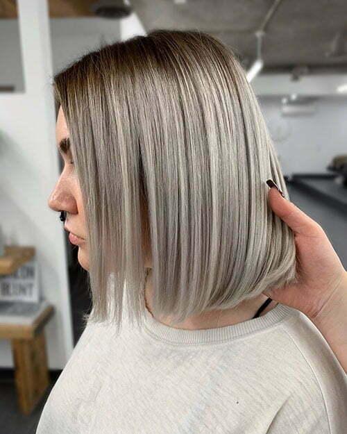 Schickes kurzes Haar
