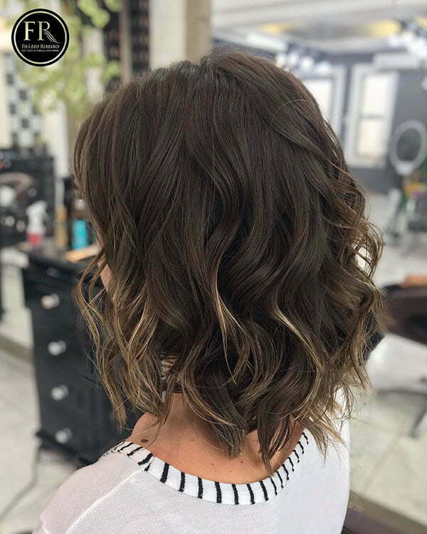 Short Wavy Hair Women