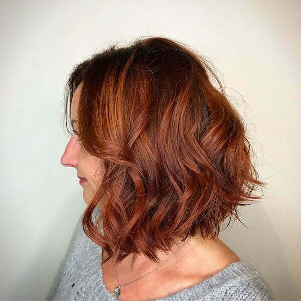 Short Wavy Hair Women