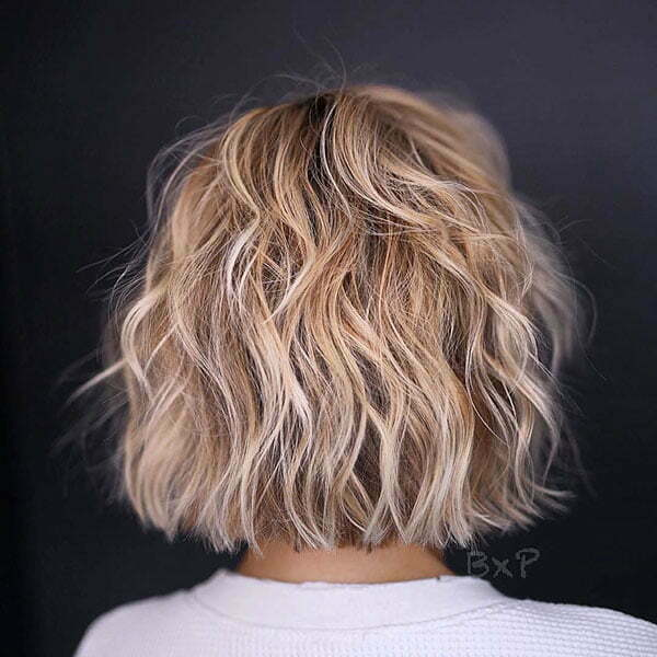 Short Layered Wavy Hair