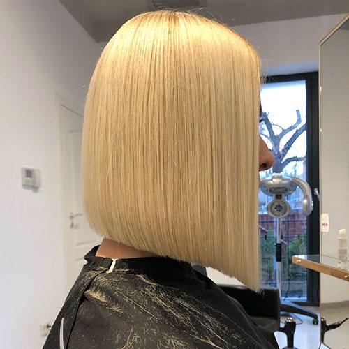 Der blonde lange Bob