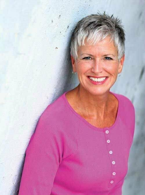 Best Short Haircuts for Women Over 50-7