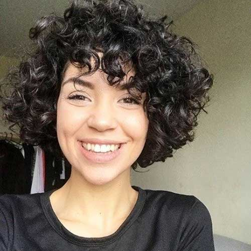 Curly Bob Hairstyles for Chic Women | Short-Haircut.com