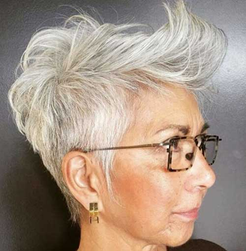 Short Hairstyles for Older Women with Thin Hair-16