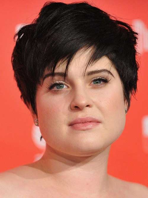 Layered Short Hair for Round Face-18