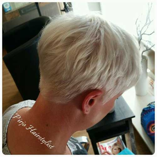 Short Hairstyles for Older Women with Thin Hair-20