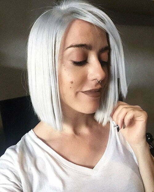 Short White Hair With Lowlights
