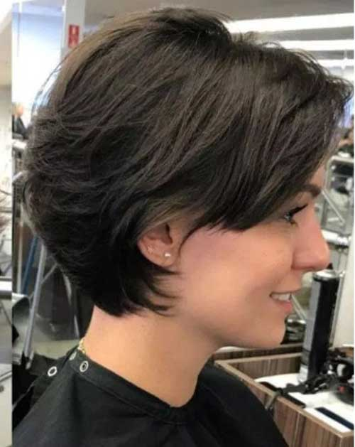 Feathered Short Bob Haircuts for Women-11