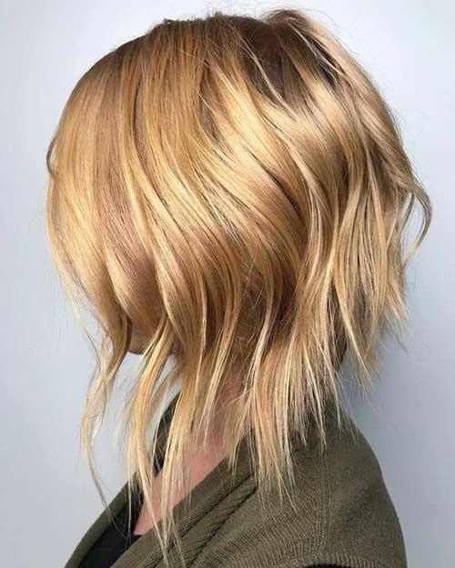 Inverted Short Wavy Hair