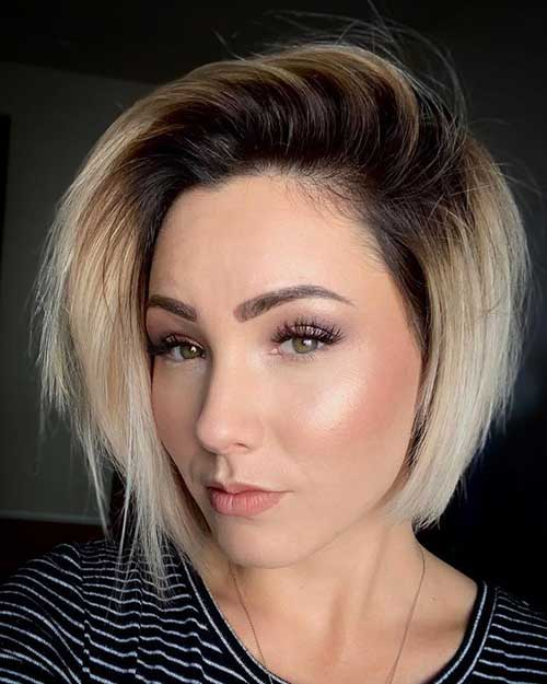 Layered Blonde Short Hair for Round Face