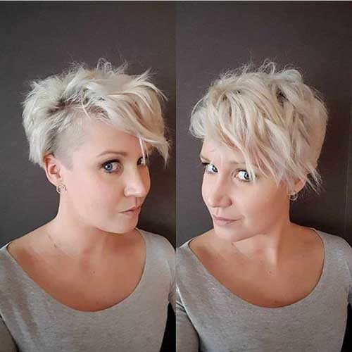 Layered Wavy Short Hair for Round Face
