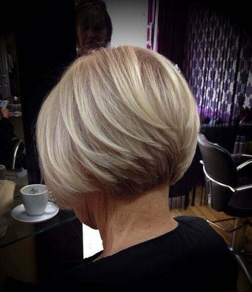 Graduated Short Straight Blonde Haircuts-10
