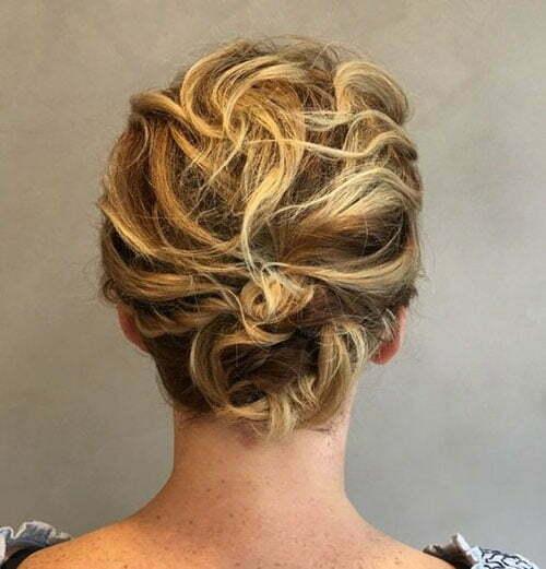 Cute Hairstyles for Short Pixie Hair-12