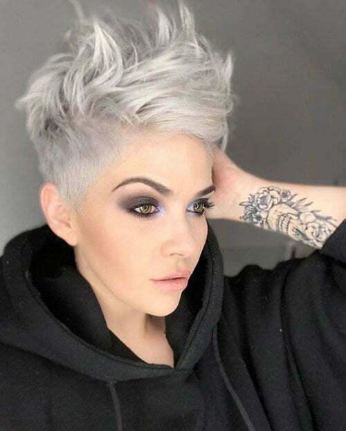 Short Sassy Trendy Haircuts-12