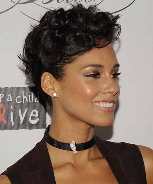 Alicia Keys kurze lockige Frisuren-13