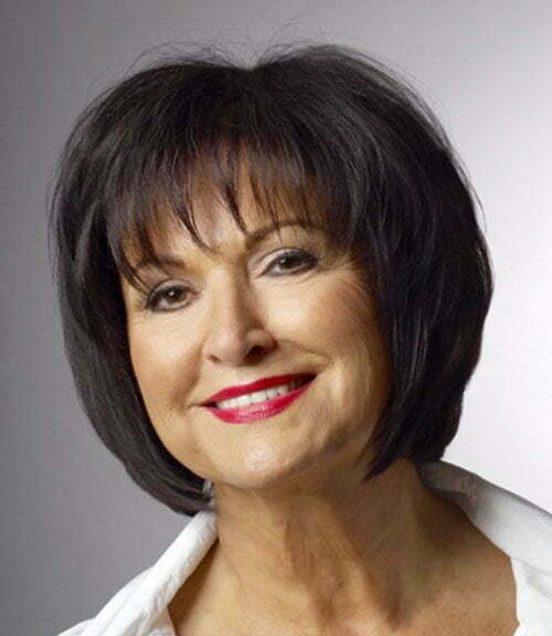 Short Cute Haircuts for Older Women-13