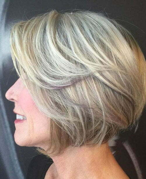 Short Layered Haircuts for Older Women-14