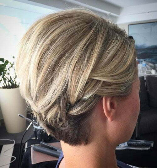 Cute Blonde Hairstyles for Short Hair-15