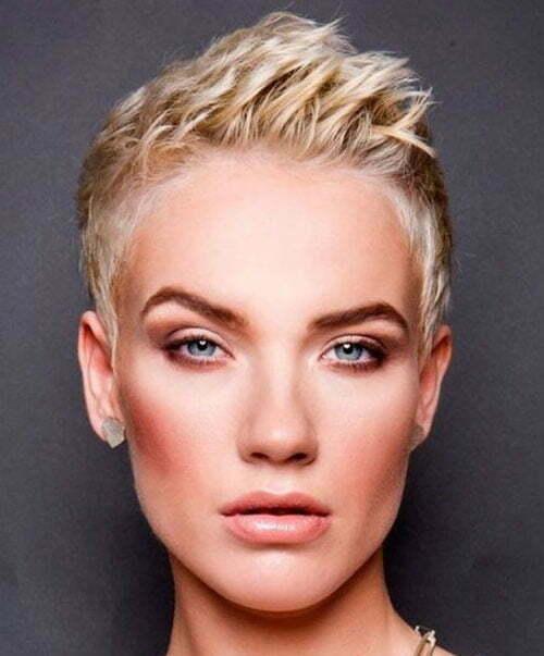 Short Sassy Blonde Haircuts-16