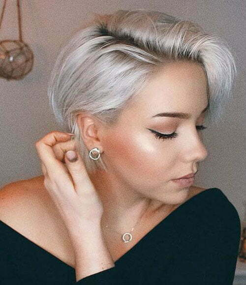 Cute Short Straight Blonde Haircuts-17