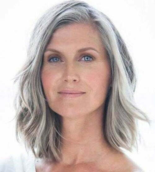Shoulder Length Short Haircuts for Older Women-17