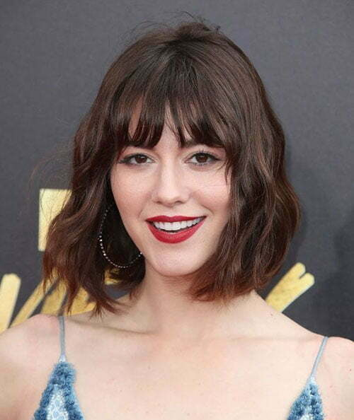 Short Medium Hairstyles for Wavy Hair with Bangs-19