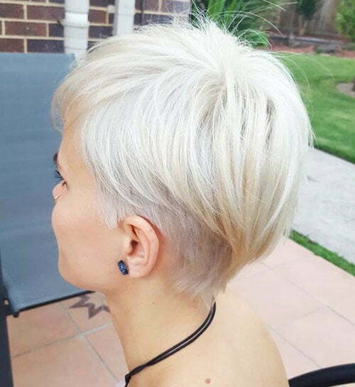 Short Straight Icy Blonde Haircuts-19