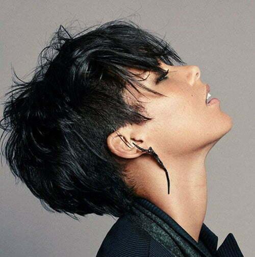 Schwarze Kurze Freche Haarschnitte-7