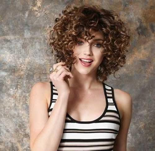 Cute Short Natural Curly Hairstyles-15