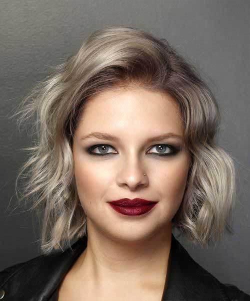 Short Ash Blonde Wavy Hairstyles-16