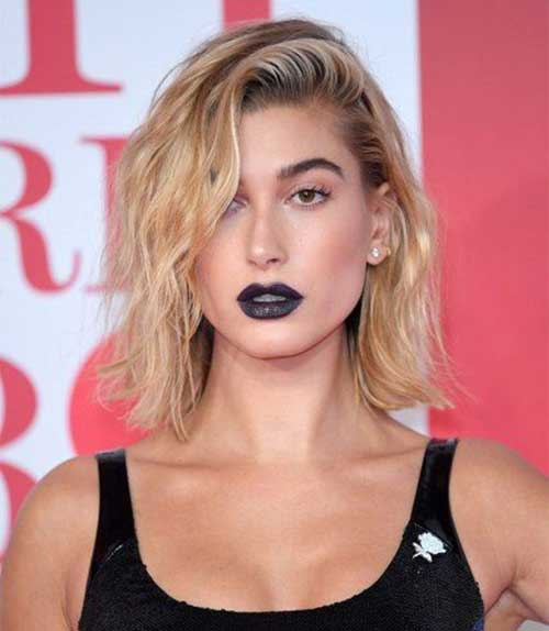 Hailey Baldwin Cool Short Hair-16