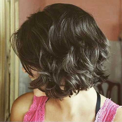 Thick Short Haircuts for Wavy Hair-17