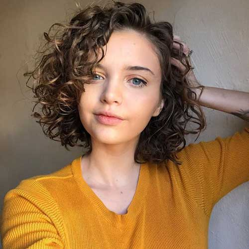 Cute Short Side Parted Curly Hairstyles-20