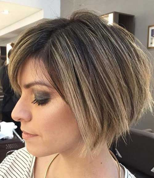 Short Bob Haircuts for Women Over 40-20