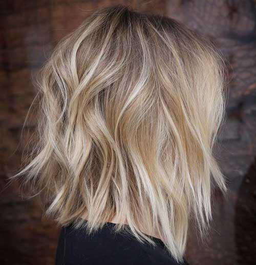 Medium Short Haircuts for Wavy Hair-25