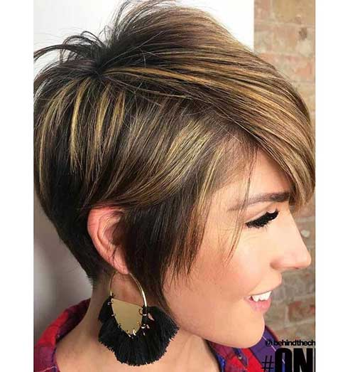 Asymetrical Short Haircuts for Women Over 40-6