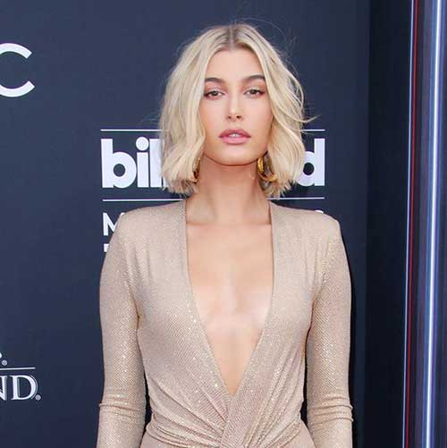 Hailey Baldwin Choppy Short Hair-6