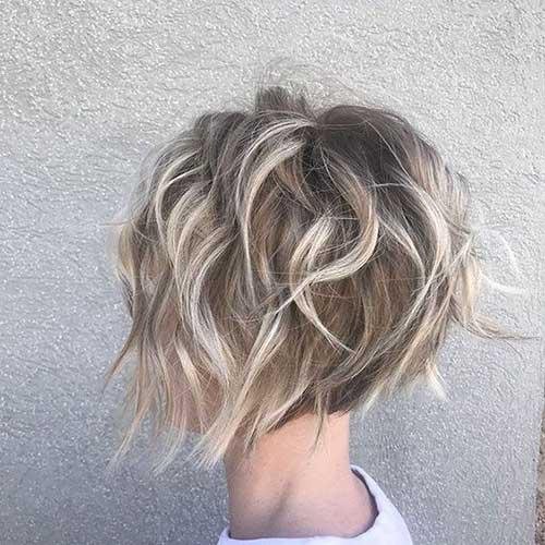 Short Choppy Haircuts for Wavy Hair-8