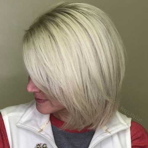 Short Blonde Haircuts for Women Over 40-8