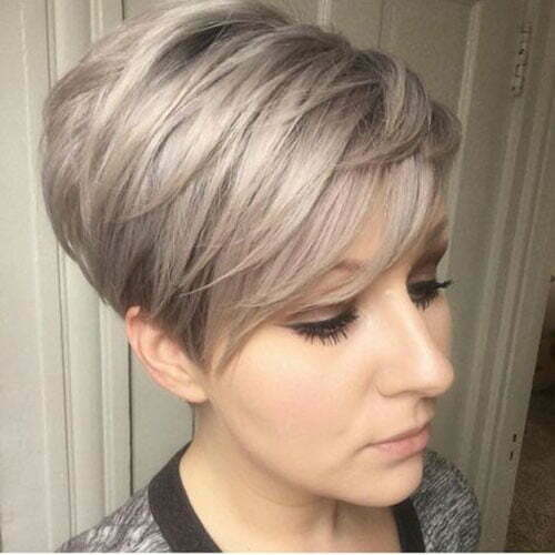 Trendy Pixie Haircuts for Women-13