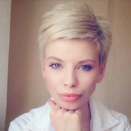 Modern Short Fine Hair Styles-14