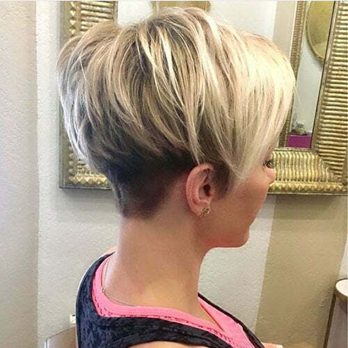 Blonde Pixie Haircuts for Women-15