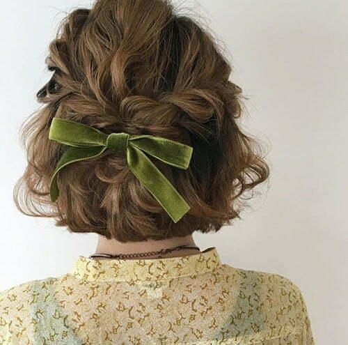 Short Summer Wavy Hairstyles-18