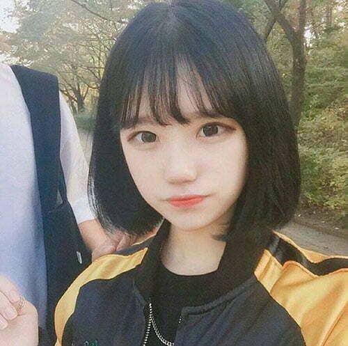 Korean Hairstyles for Short Hair with Bangs-18