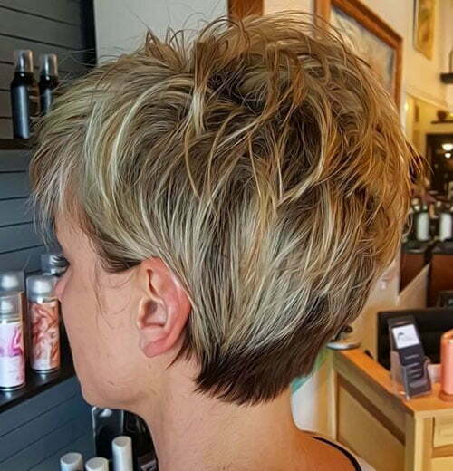 Layered Pixie Haircuts for Women-19