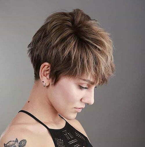 Chic Pixie Haircuts for Women-24