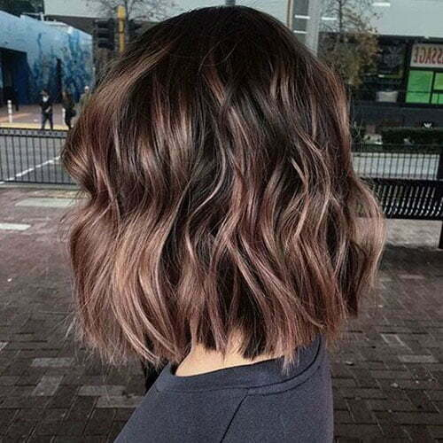 Cute Wavy Short Haircuts-6