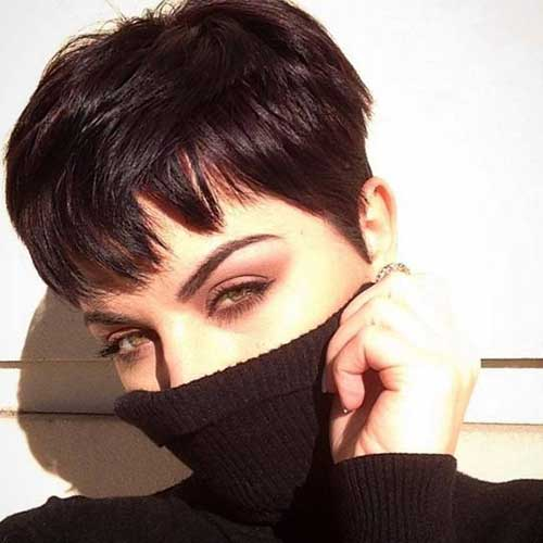 Modern Short Pixie Haircuts for Women-10
